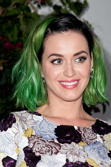 Кэти Перри с зелеными волосами.